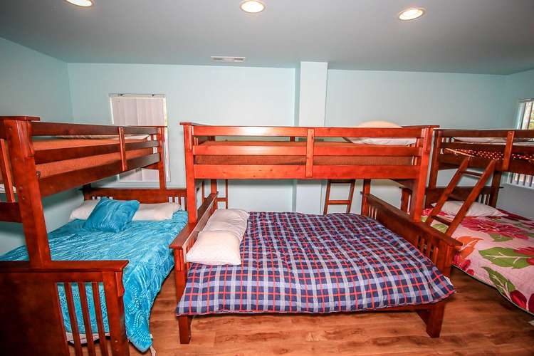 Bedroom 5- 3 Sets Of Bunk Beds ( Twin / Queen )
