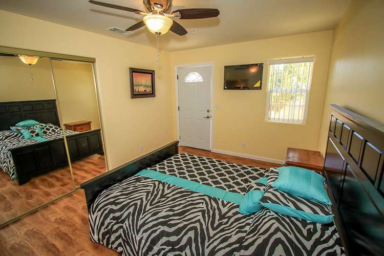 Bedroom 3- Queen Bed, TV