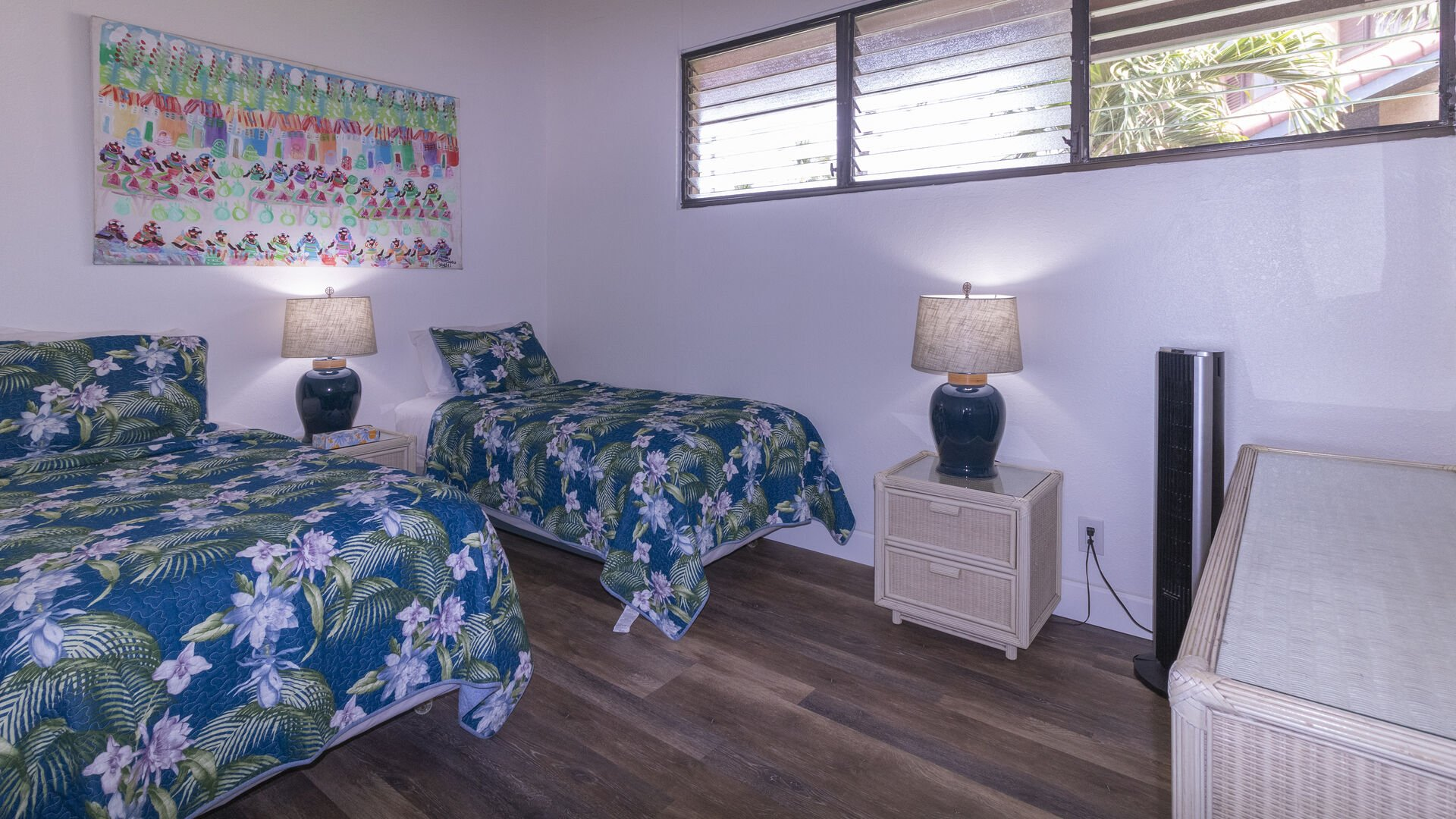 D306 Guest Bedroom Twin Beds