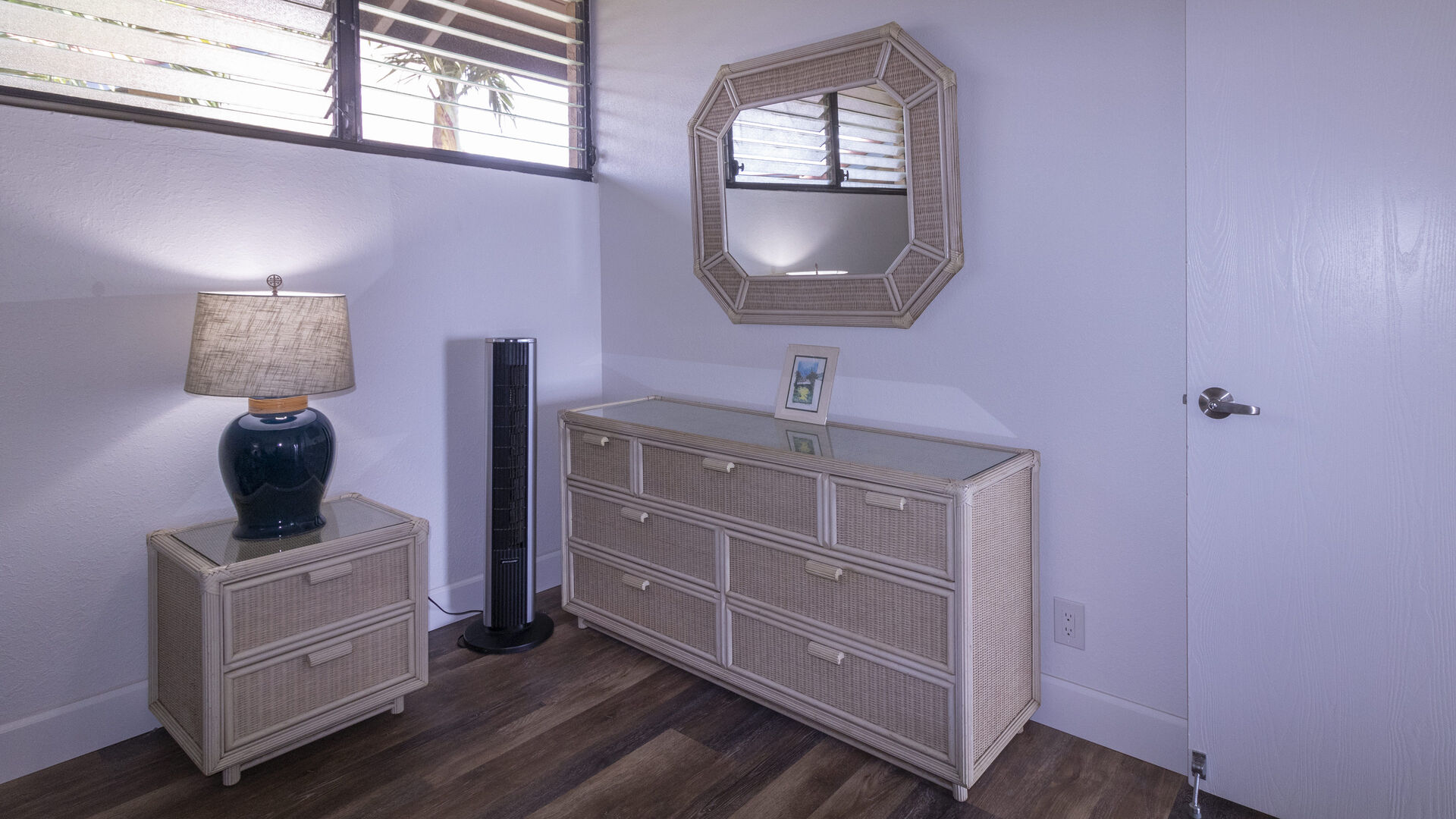 D306 Guest Bedroom Vanity and Bureaus