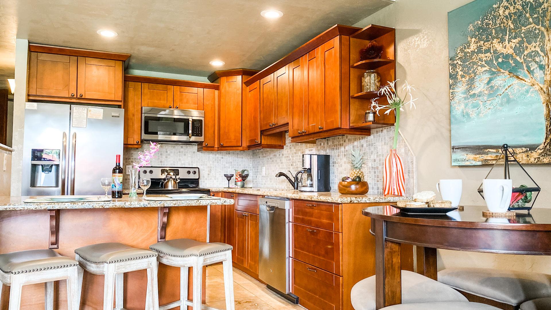 C305 Kitchen and Bar