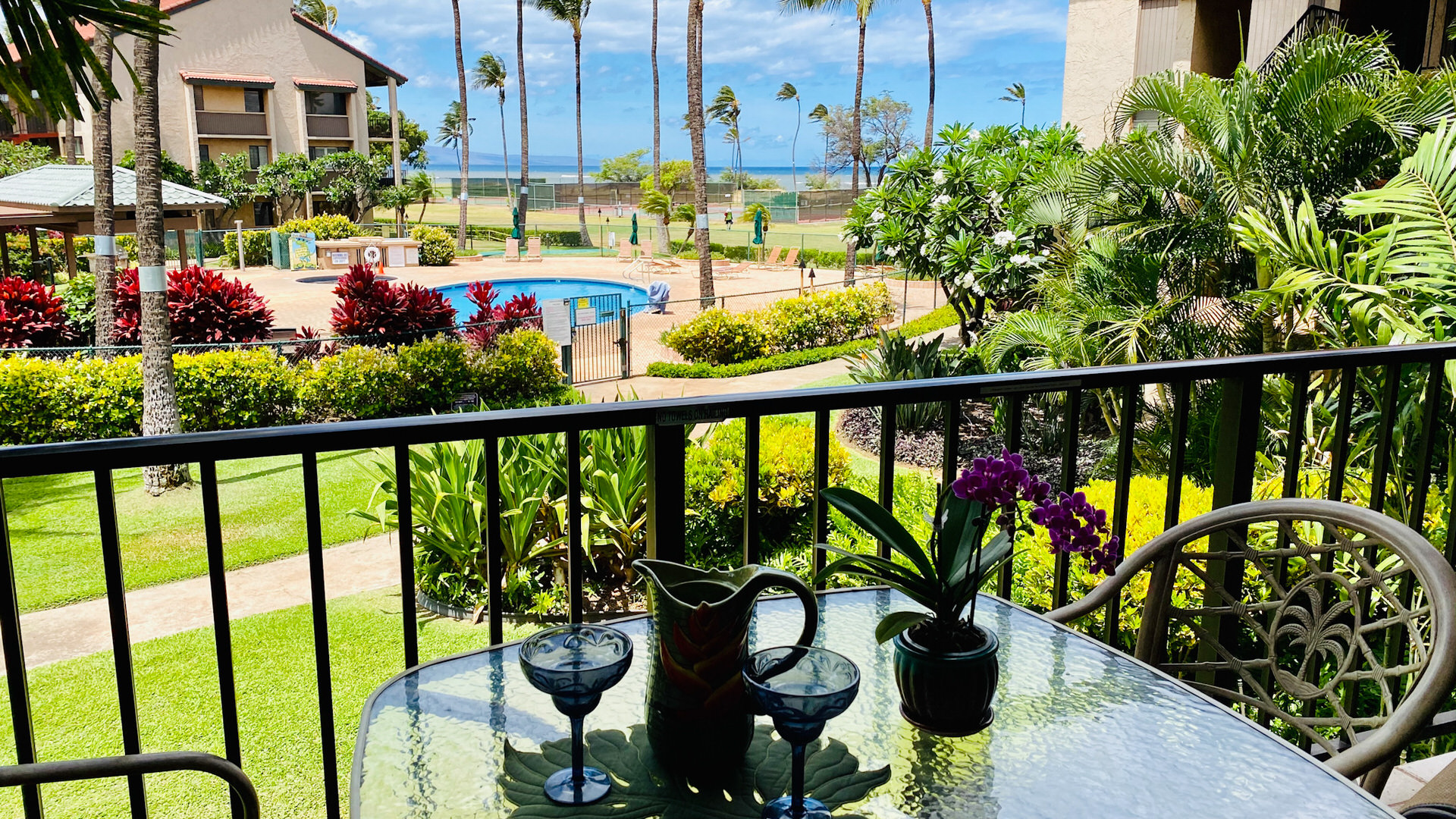 B211 Outdoor Dining Pool View and Ocean View