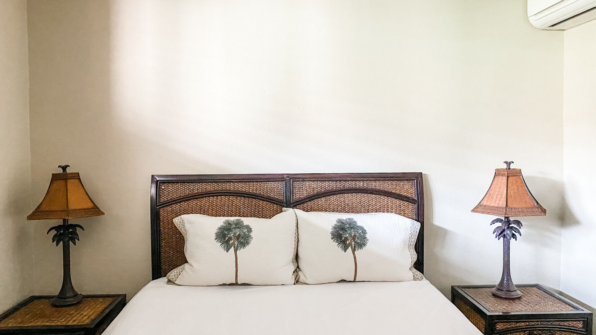 B209 Bedroom