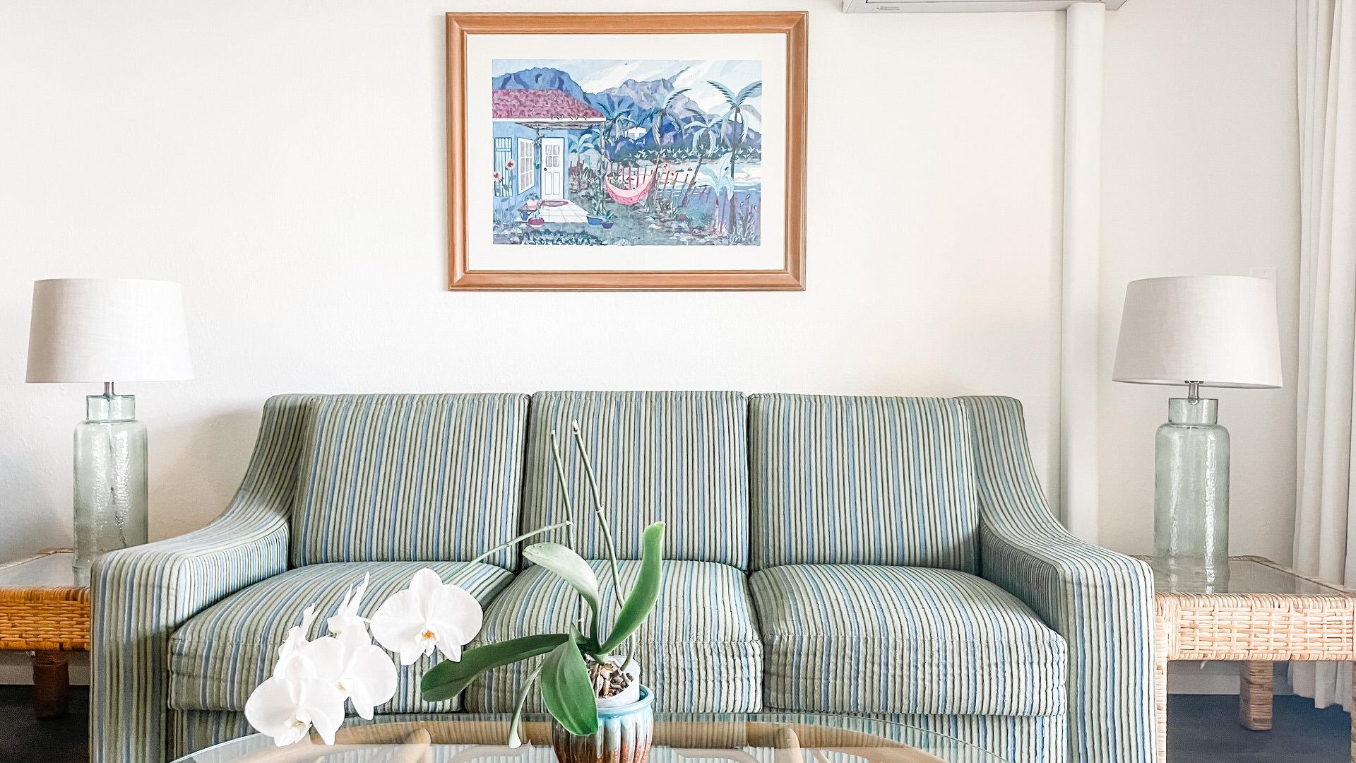 B210 Sofa and Coffee Table