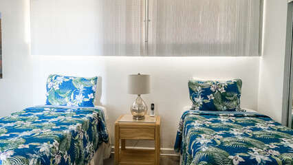 D103 Guest Bedroom Twin Beds