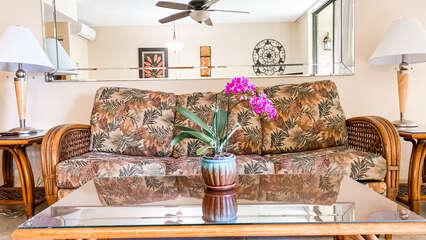 B104 Sofa and Coffee Table