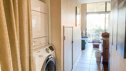 C302 Clothes Washer and Dryer