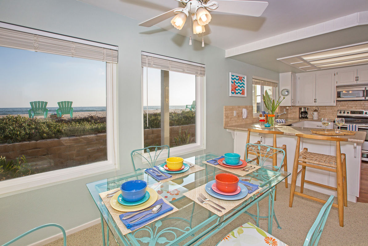 Dining with an ocean view!