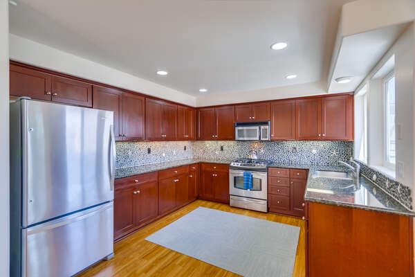 Spacious, Fully Stocked Kitchen with Dishwasher in our San Diego Mission Beach Rental