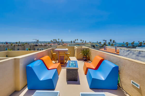 Roof Top Sundeck with Outdoor Fireplace & Ocean Views at our San Diego Mission Beach Rental