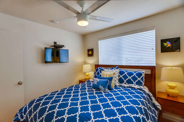 Guest Bedroom, Queen Bed & TV in our San Diego Mission Beach Rental