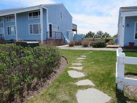 Path to the community outdoor shower - 22 Starfish Lane Chatham Cape Cod - New England Vacation Rentals