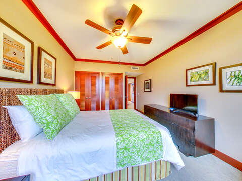 Second Bedroom with Queen Size bed, Flat Screen TV and Ceiling Fan in our Ko Olina Villa