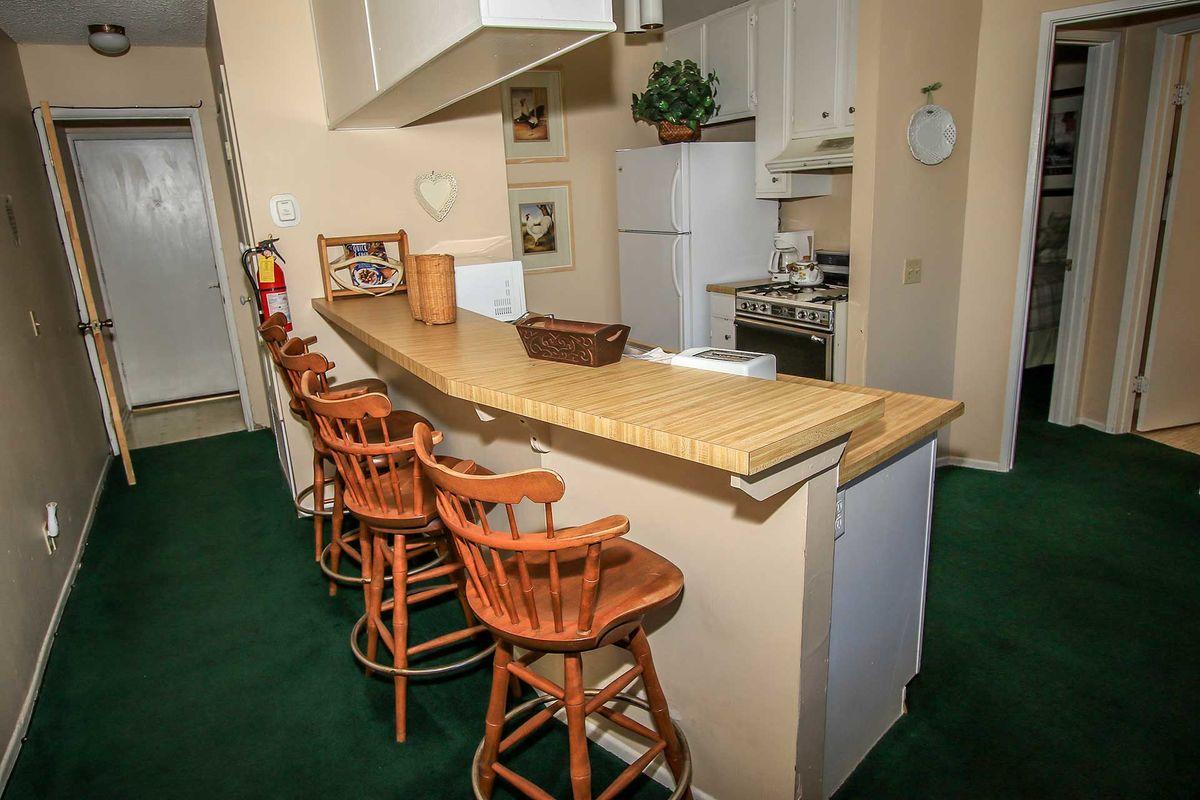 Kitchen Bar Seating Area