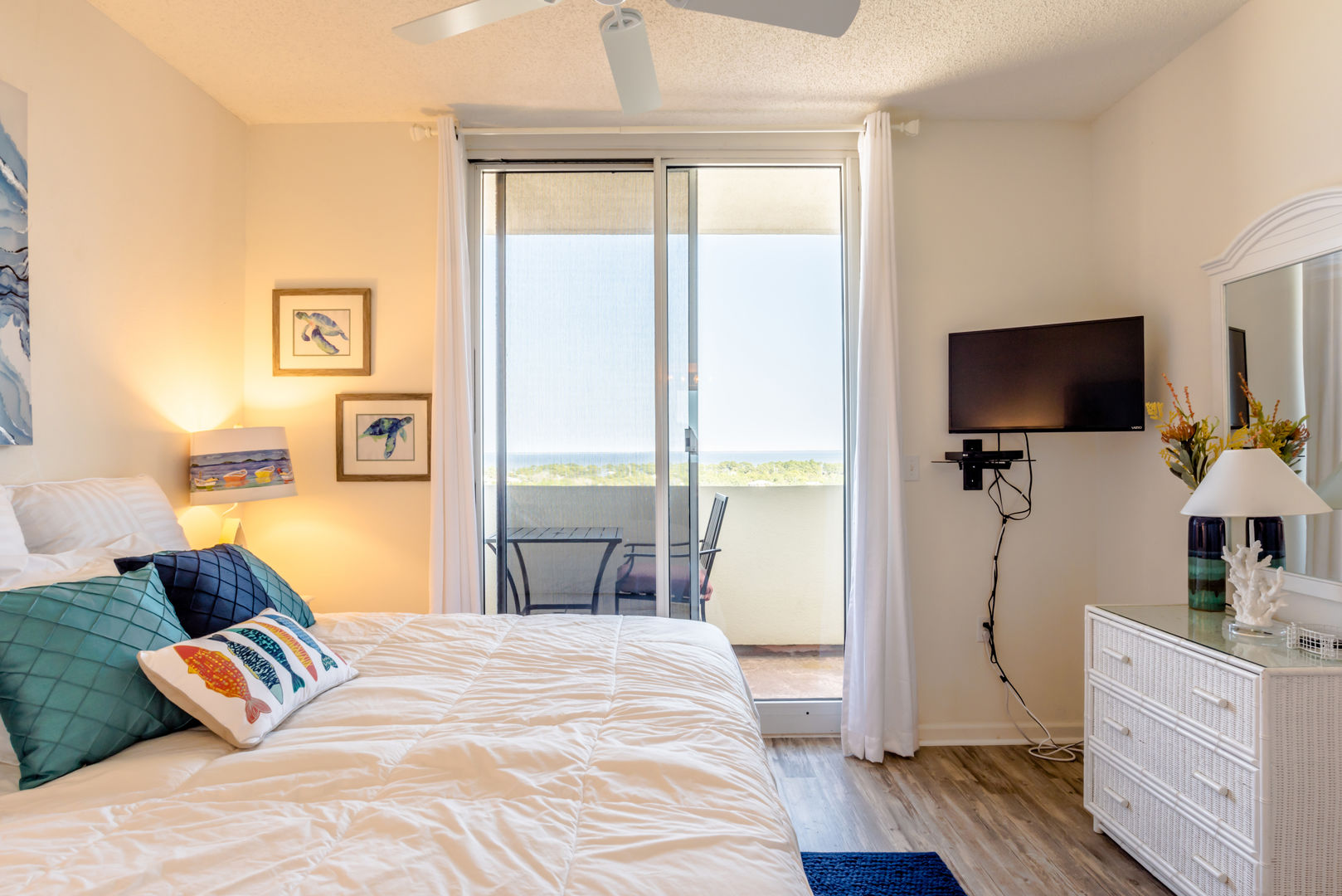 Guest Bedroom Has A Private Balcony Overlooking The Beautifully Landscaped Property And Bay View.