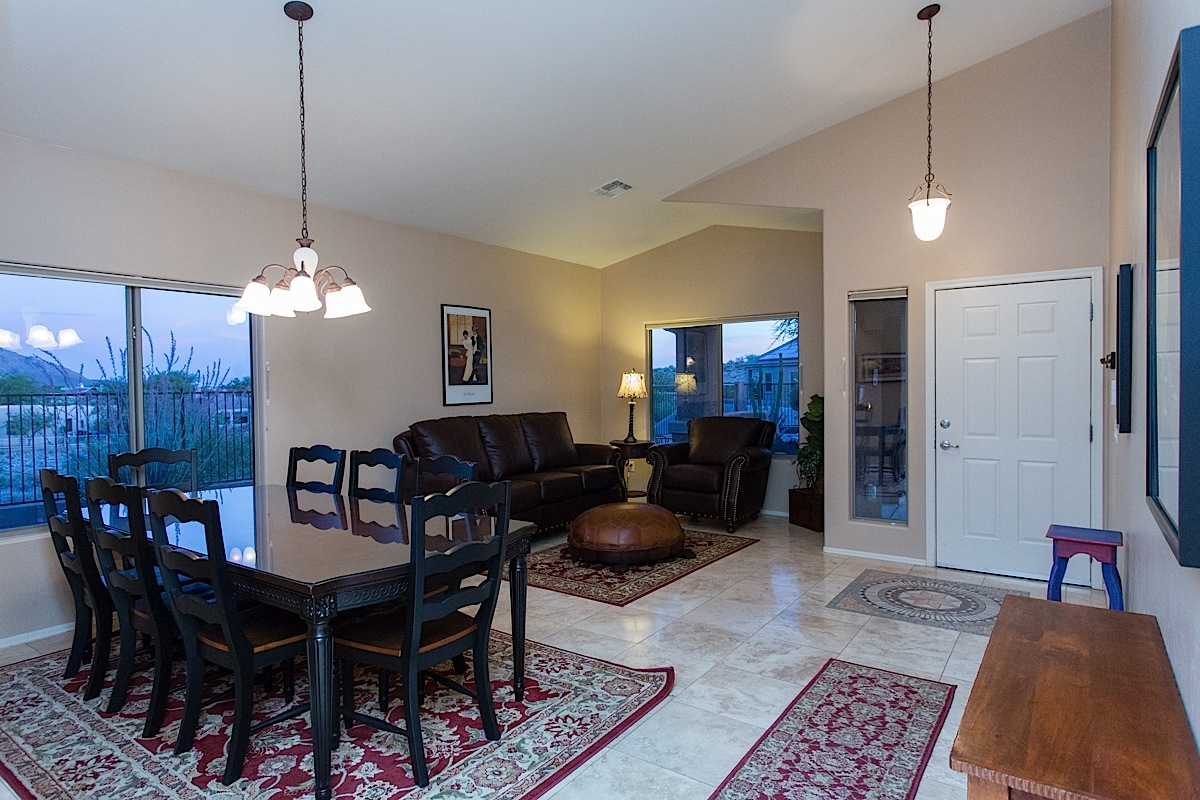 Large and Spacious Great room!