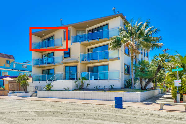 Exterior Picture of our Vacation Condo in San Diego.