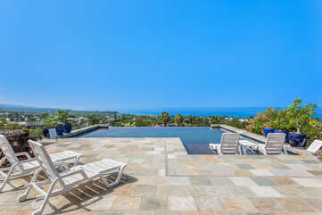 Beautiful Infinity Pool with Sun Deck, Soaking Deck and Ocean and Mountain Views!