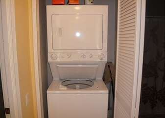 In Unit Full sized washer/dryer