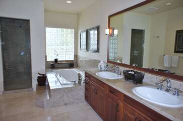 Master Bathroom, Double Sinks, Soaking Tub and Walk In Shower