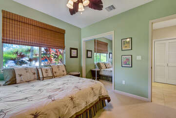 Bedroom with King Bed that can be Converted to 2 Twin Beds