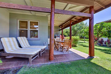 Lanai with Outdoor Chaise Lounges, Table and Chairs