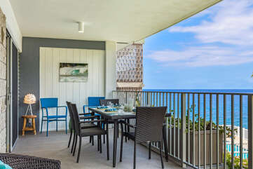 Spacious Lanai with Outdoor Dining