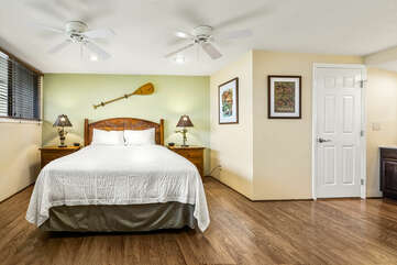 Loft Bedroom with Hardwood Floors and Queen Bed at Country Club Villas 324