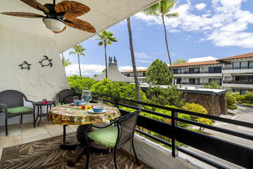 Lanai at this oceanfront complex Kona.