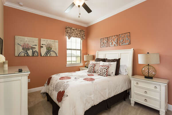 This room offers a queen sized bed