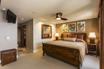 Master Bedroom with King Bed and Flatscreen TV