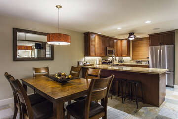 Gourmet Kitchen, Breakfast Bar and Dining Area