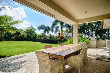 Outdoor Dining Area for 6
