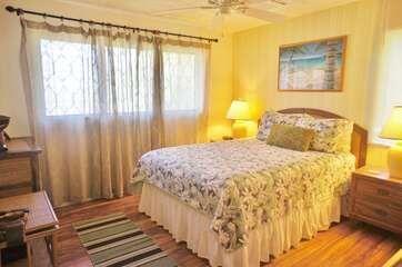 Master Bedroom includes a Queen Bed