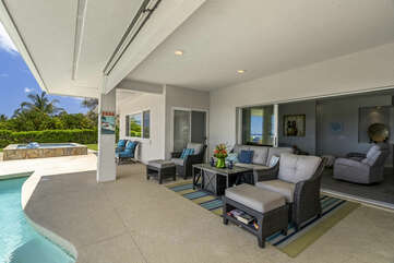 Outdoor Furniture Set in the Covered Lanai