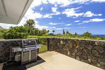 Covered Lanai with Private BBQ