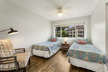 Secondary Bedroom with XL Twin beds/Converts to King Upon Request/Fee