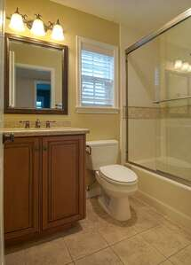 4th bedroom bathroom
