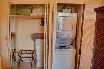 Private washer/dryer in kitchen