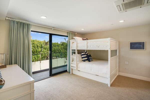 Guest Bedroom w/ 2 Full Size Bunk Beds with Twin Trundle & En-Suite Bathroom
