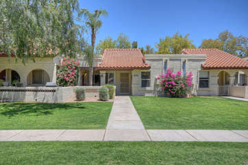 Welcome to a lovely home away from home in a family friendly and well maintained neighborhood.