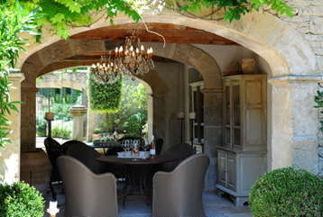 Courtyard Outside formal dining