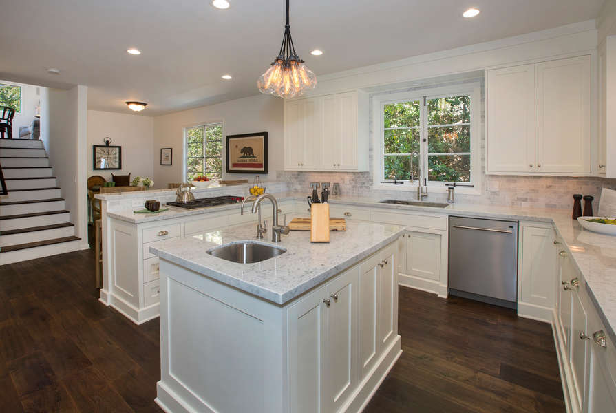 Beautiful Kitchen with all of the amenities