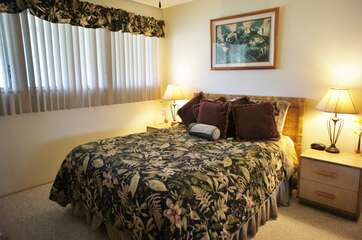 Bedroom includes a Queen bed
