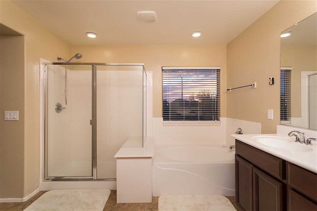 Separate Tub and shower