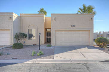 Welcome to our lovely one story townhouse in sunny NE Mesa.