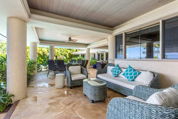 Covered Lanai Lounge Area