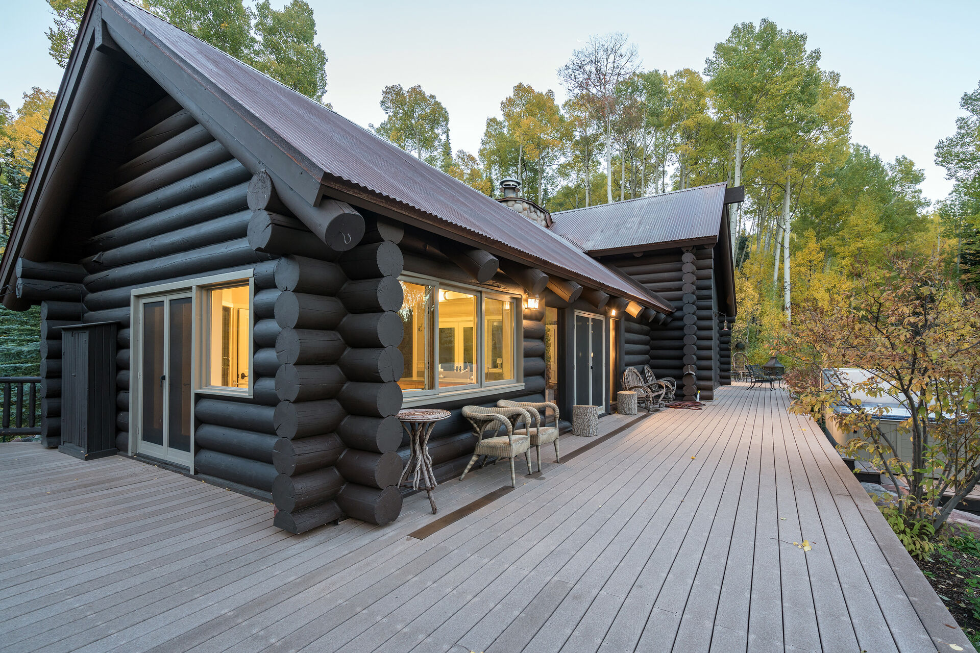 Ski Ranches Cabin Wrap Around Deck with Beautiful Views