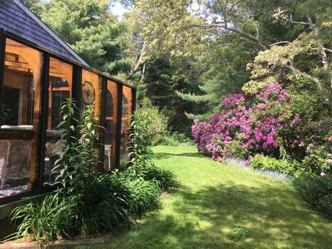 Beautiful side and back yard  - 19 Old CartWay - Chatham Cape Cod New England Vacation Rentals