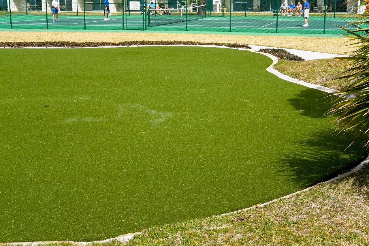 Practice your putting skills at the nearby putting green!